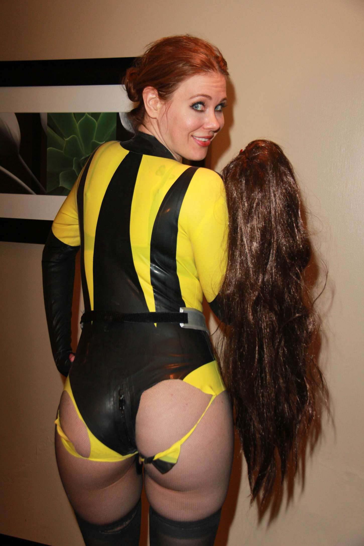 Watchmen outfit Maitland Ward booty
