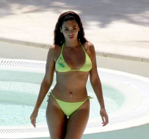 Knowle beyonce hot bikini