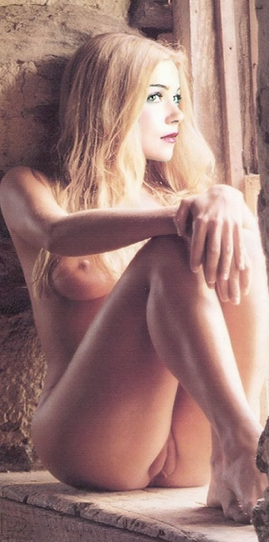 christina applegate true nude