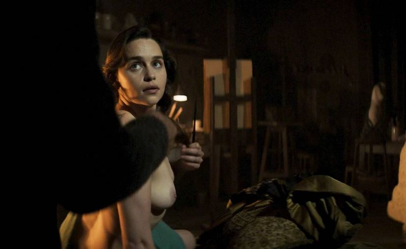 Naked celeb Emilia Clarke boobs