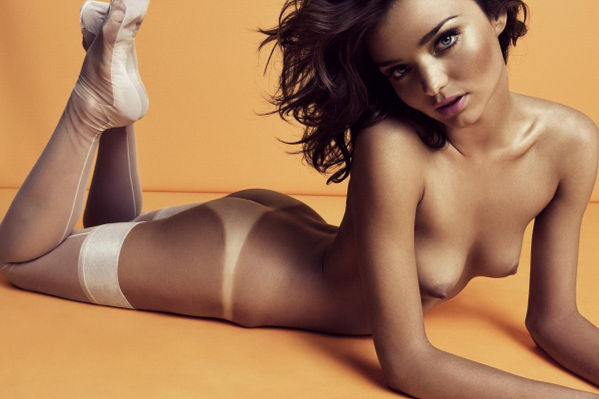 Miranda Kerr naked on the floor pic