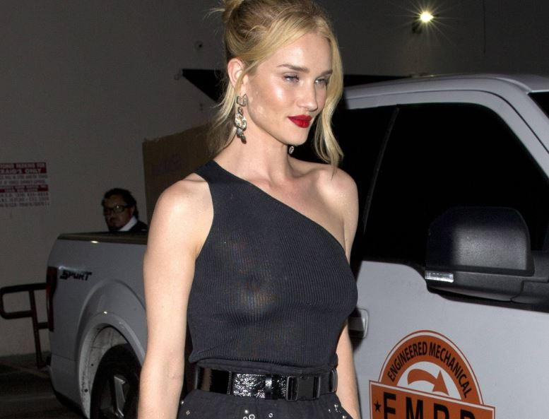 Rosie Huntington-Whiteley in see through top, making her nice tits and nipples visible
