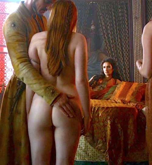 sexy curvy and busty nude Josephine Gillian tits / boobs in game of thrones
