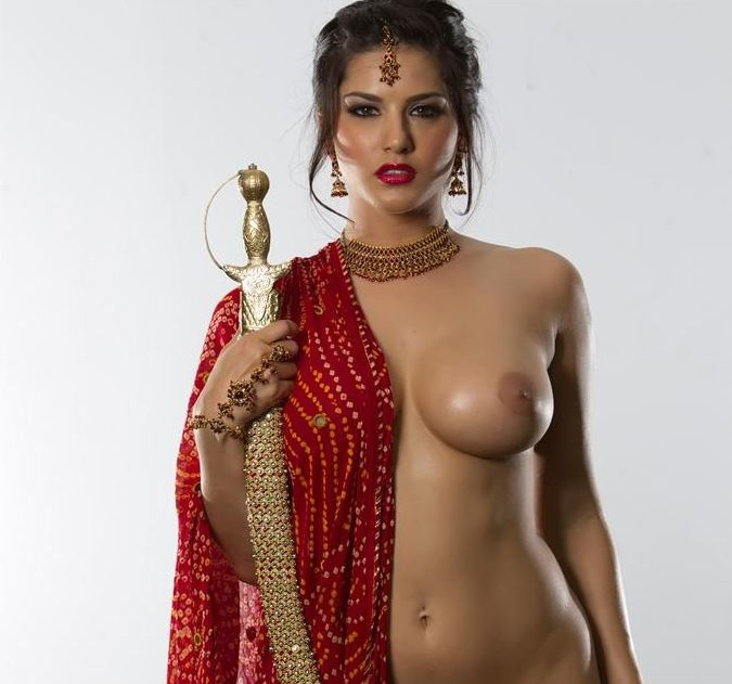 Bollywood Sunny Leone naked topless