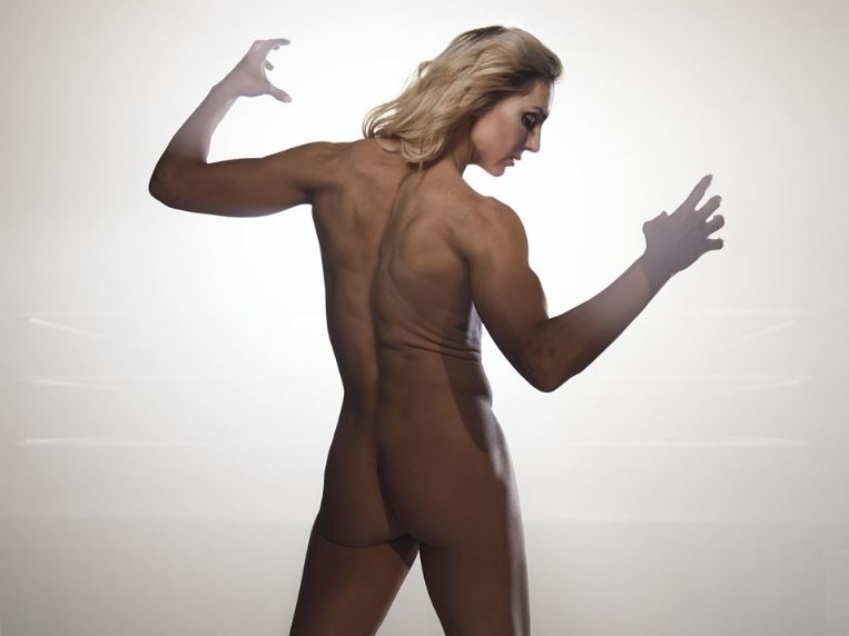 WWE diva Charlotte Flair posing naked for photoshoot (2018)